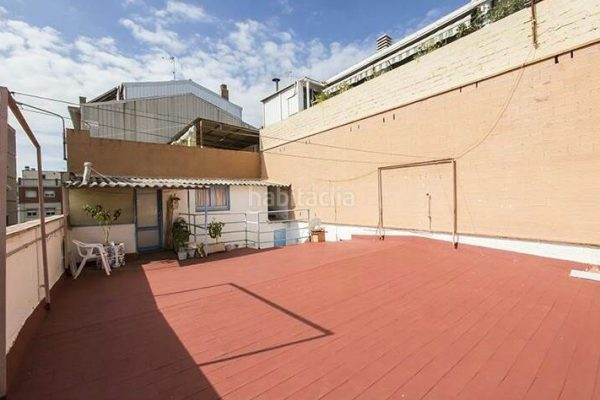 Ref.: 01137 – Casa de 3hab + tr, con terraza de 60m2 y patio
