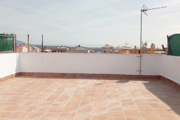 Ref.: 01001 – Dúplex de 5hab con terraza de 50m2