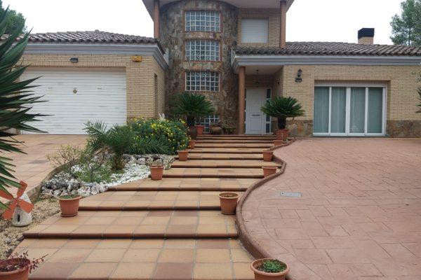 Ref.: 01277 – Casa de 2.050m2 de parcela con piscina de agua salada!!